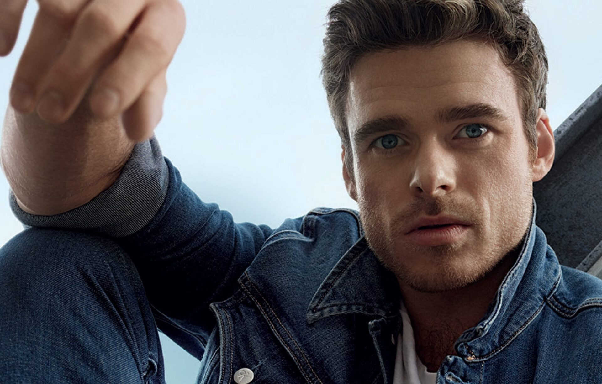 Talking Calvin Klein Self Confidence And Reality Tv Binges With Marvel Star Richard Madden Hero
